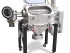 Wirbelstromsiebmaschine <a href=http://www.chemietechnik.de/ct-produktfokus-siebmaschinen/#assonic>ROSM 700</a> von Assonic. Bild: (Assonic Mechatronics)