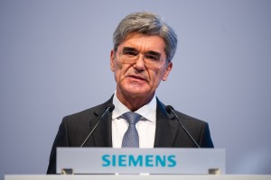 Hauptversammlung 2016 der Siemens AG in München / Annual Shareholders' Meeting of Siemens AG at the Olympiahalle in Munich, Germany