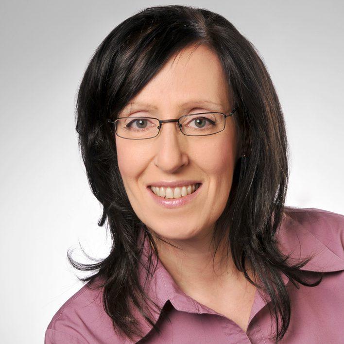 Anja Kreikemeyer, Journalist Energy Transmission Consult