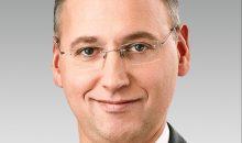 23.05.16: Big, bigger, Bayer: 62 Mrd. US-Dollar bietet der Konzern aus Leverkusen für Monsanto. Der neue Bayer-Chef Werner Baumann versucht es gar nicht erst mit kleckern und geht direkt zum klotzen über: 62 Mrd. US-Dollar wäre ihm die Übernahme des Saatgut-Konzerns Monsanto wert. Bild: Bayer