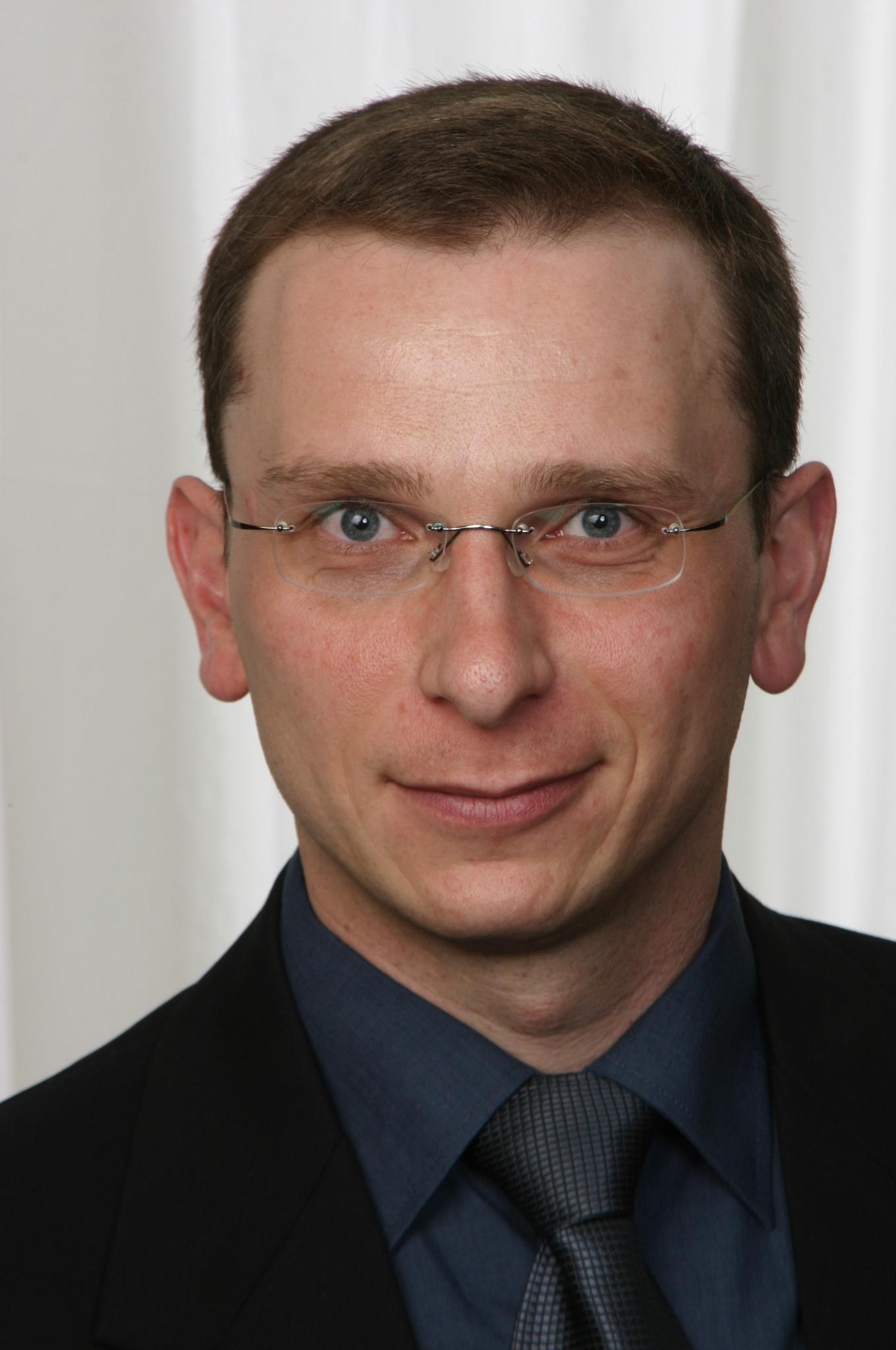 Kai Grabenauer,  Produkt Manager, CoE Europe Electrical Temperature  Measurement