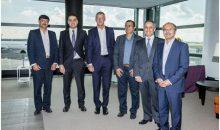 Anlässlich der Vertragsunterzeichnung traf sich Tom Blades, Vorstandsvorsitzender der Bilfinger SE, mit der iranischen Delegation. Bild: Bilfinger