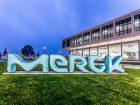 Merck in Darmstadt liegt auf Platz 8, mit einem  Jahresumsatz von 12,8 Mrd. Euro dicht hinter... (Bild: Merck)