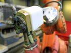 Mit dem Plasmaspritz-Verfahren lassen sich Bauteile beschichten, ohne sie thermisch zu schädigen. Bilder: Bührer