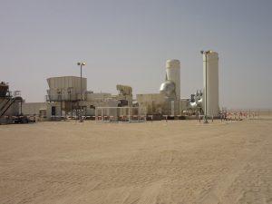Die Insellösung aus Generator und Gasturbine erzeugt Tag und Nacht Strom aus Begleitgas der Separierungsanlage in Nakhla. Bild: WEG