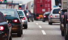 Vor allem der Wechsel von Straße auf Schiene sollte laut VCI künftig einfacher sein. (Bild: chris-m – Fotolia)