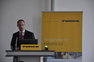 Turck 4.0: Geschäftsführer Christian Wolf erläuterte den geplanten Weg der Turck-Gruppe in Richtung Industrie 4.0. (Bild: Redaktion)
