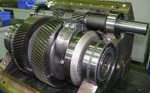 Kompakte Kraftübertragung – maßgeschneidert für den Einsatz in Hochdruckpumpen: Die Getriebe der KAMAT-Pumpen stammen aus eigener Entwicklung und Fertigung. Bild: Kamat