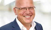 Richard Denk Richard Denk hat Maschinenbautechnik studiert und arbeitet bei der Firma Skan mit Sitz in Allschwil, CH,  als Leiter Vertrieb Containment zur Herstellung von hochaktiven oder hochgefährlichen Substanzen. Denk gründete in 2008 die Containment Expertengruppe der ISPE DACH, die im September 2015 das Containment-Handbuch publiziert hat. Weiterhin ist Denk Autor beim Maas&Peiter GMP Verlag zum Thema Containment und Hygienic Design sowie einer der Autoren des ISPE Oral Solid Dosage Baseline Guide. Richard Denk beschäftigt sich seit fast 20 Jahren mit der Thematik Herstellung hochaktiver/hochgefährlicher Substanzen und hat hierzu auch die Containment-Pyramide entwickelt. Bild: Skan