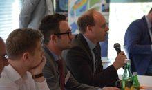 Nach den Vorträgen folgten auch in diesem Jahr wieder rege Diskussionen. (Bild: Praktikerkonferenz Graz)