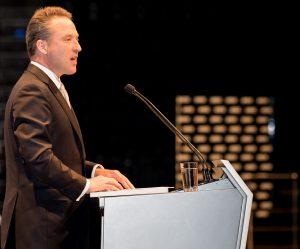 Lanxess-Vorstandsvorsitzender Matthias Zachert präsentierte den Aktionären die Ergebnisse des Geschäftsjahrs 2016. (Bild: Lanxess)