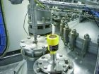 Radarsensoren sind ideal bei Medien mit wechselnden Eigenschaften wie Dichte, Leitfähigkeit oder unterschiedlichen Prozessbedingungen, wie sie im Chemiebereich häufig vorkommen. Bild: Vega