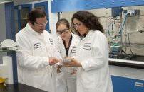 Silicon- und Polymerforscher entwickeln am Standort künftig Siliconprodukte für wichtige Absatzmärkte des Chemiekonzerns. (Bild: Wacker)