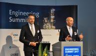Am 4. Juli, 08:55 Uhr, war es so weit: Thomas Waldmann, Geschäftsführer, VDMA Arbeitsgemeinschaft Großanlagenbau, und Armin Scheuermann, Chefredakteur CHEMIE TECHNIK, eröffneten gemeinsam den Engineering Summit 2017. (Bilder: Redaktion)