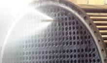 1: Rohr frei: Dieser Edelstahl-Wärmeübertrager verfügt nach der Reinigung wieder über freien Durchstrom. Bilder: AC-Rädler Umwelttechnik