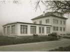 Die neue gegründete Pumpenfabrik Emile Egger gegenüber der Stärkefabrik Cressier im November 1948 (Bild: Emile Egger)