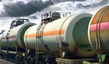 Die Transportkosten für Chemikalien steigen durch die gesperrte Bahnstrecke erheblich. (Bild: soleg – Fotolia)