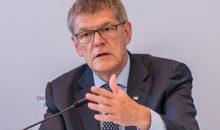"""VCI-Hauptgeschäftsführer Utz Tillmann: """"Die neue Einsparvorgabe von 40 Prozent für 2030 kann abhängig von der konjunkturellen Entwicklung zu einer Wachstumsbremse werden."""" (Bild: VCI)"""