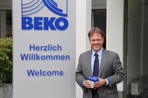 """""""Durch den Neubau und weitere Umbaumaßnahmen an den Bestandsgebäuden konnten wir externe Gebäudeanmietungen beenden und alle Bereiche unter einem Dach konzentrieren"""", sagt Geschäftsführer Norbert Strack. (Bild: Beko Technologies)"""