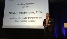 Namur-Vorstandschef Dr. Wilhelm Otten eröffnet die 80. Namur-Hauptsitzung