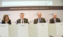 Auf der Jahrespressekonferenz des Chemieverbandes VCI hatten die Verbandsfunktionäre positive Zahlen zu vermelden. (Bild: VCI, Fuest)