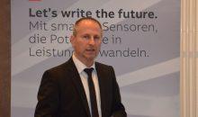 Vorteil digitale Datenverarbeitung: Reinhard Poft, Produktspezialist bei ABB, stellte die weiterentwickelte Sensor-Baureihe vor. (Bild. Redaktion)