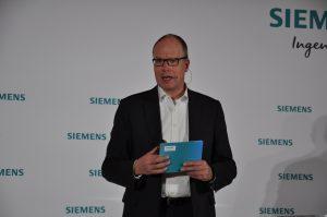"""""""Jetzt ist die Zeit, die sich aus der Digitalisierung ergebenden neuen Möglichkeiten zur Optimierung der Wertschöpfungskette für die Prozessindustrien intensiv zu nutzen"""", betont Jürgen Brandes, CEO der Division Process Industries and Drives. (Bild: Redaktion)"""
