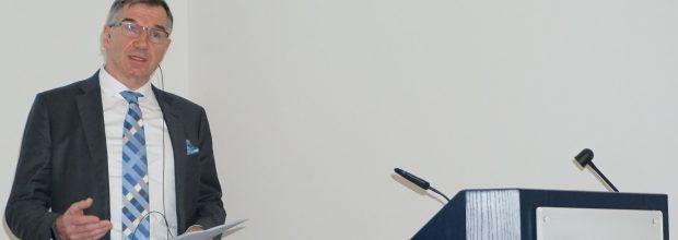 Nikolaus Krüger, Vorsitzender des Fachbereichs Messtechnik und Prozessautomatisierung im ZVEI-Fachverband Automation präsentierte die Verbandszahlen auf dem Achema-Pressetag im März 2018. Bild: Redaktion