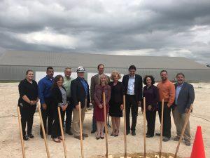 Spatenstich mit der Geschäfts- und Projektleitung von Byk für das Garamite-Projekt in Gonzales, Texas. (Bild: Fluor / Business Wire)