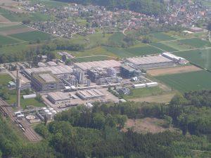 BASF will add 30% to its existing capacity for Irganox® 1010 at its Kaisten production plant in Switzerland by debottlenecking operations. /Durch die Beseitigung von operativen Engpässen wird BASF gleichzeitig ihre bereits bestehenden Kapazitäten für