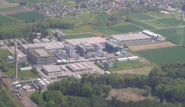 Durch die Beseitigung von operativen Engpässen will die BASF ihre bereits bestehenden Kapazitäten für das Antioxidationsmittel Irganox 1010 am Produktionsstandort Kaisten in der Schweiz um 30% erhöhen. Bild: BASF