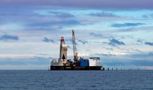 The Mittelplate offshore oil field, where Wintershall and DEA Deutsche Erdoel AG each have a 50% shareholding, is one of the main cornerstones of Germany's oil production. Over 34 million metric tons of oil have already been extracted from the reservoir