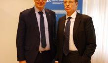 Dr. Klaus Schäfer übernimmt das Amt als Dechema-Vorsitzender von Prof. Dr. Rainer Diercks. Bild: Dechema