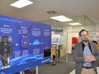 Christian Rasmussen erklärt im Digital Transformation Office die Cloud-Lösungen des Pumpenherstellers Grundfos. Bilder: Redaktion