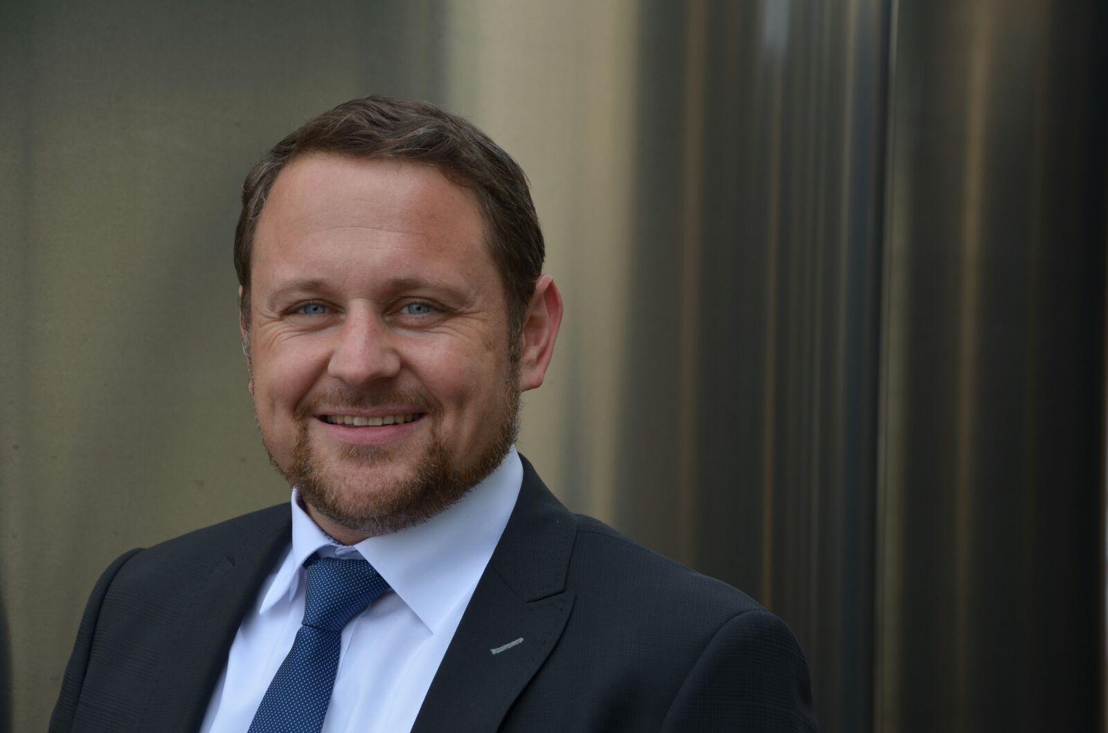 Dietmar Dieing ist Leiter Vertrieb Komponenten bei Zeppelin Systems