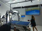 Doch auch in den Messehalle sind den Besuchern einige Highlights geboten: Neben Skurrilitäten wie einem (nicht immer erfolgreichen) Tischtennis-Roboter am Stand von Omron, zeigten die Aussteller spannende Lösungen in den Bereichen Prozessautomation, Digitalisierung und Messtechnik.