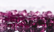 Evonik verzeichnet eine steigende Nachfrage nach transparenten Polyamiden und steigert deshalb die Produktionskapazitäten. (Bild: Evonik)