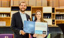 Bastian Baumgart von Energycortex und Margareta Merke von Boostani sind die Gewinner der Online-Abstimmung über die interessantesten Start-up-Unternehmen in oder für die Chemiebranche. (Bild: Chemcologne)