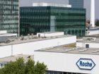 Auf Platz 2, mit einem Umsatz von 57,4 Mrd. US-D, steht die F. Hoffmann - La Roche AG. Das schweizerische Healthcare-Unternehmen engagiert sich aktiv für die Erforschung, Entwicklung und den Vertrieb neuartiger Gesundheitslösungen. Dabei ist Roche der welt-weit führende Anbieter von In-vitro-Diagnostika, von Arzneimitteln gegen Krebs und für die Transplantationsmedizin.  Bild: Roche