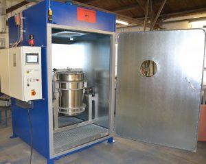 Zum Portfolio des Apparatebauers gehören beispielsweise Wärmekammern für Fässer und Container, aber auch Geräte für Temperprozesse und Trocknungsaufgaben. (Bilder: Will & Hahnenstein)