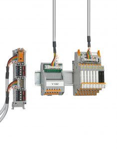 Schnell, zuverlässig und fehlerfrei: Die Frontadapter, Systemkabel und Module der Varioface-Systemverkabelung verbinden die Steuerung mit dem Feld. Phoenix Contact