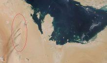 Vom Weltall aus zu sehen: Rauchfahnen über den angegriffenen Ölförderanlagen von Saudi Aramco. Bild: Nasa Worldview
