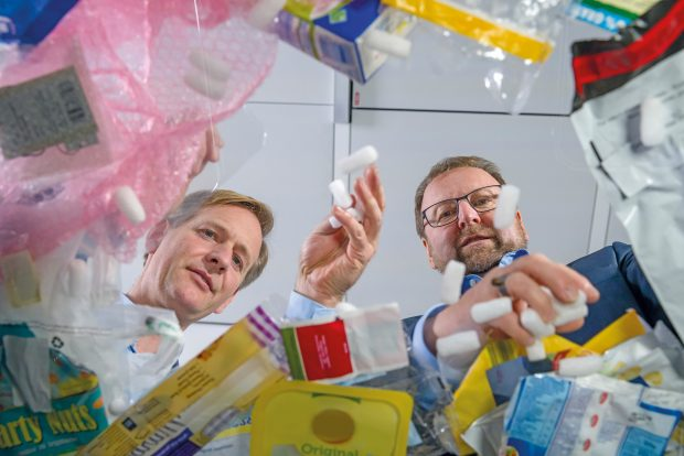 Die Produkte sollen im Chemcycling-Projekt von BASF zum Einsatz kommen, das darauf abzielt, Kunststoffabfälle in der chemischen Produktion wiederzuverwenden. (Bild: BASF)