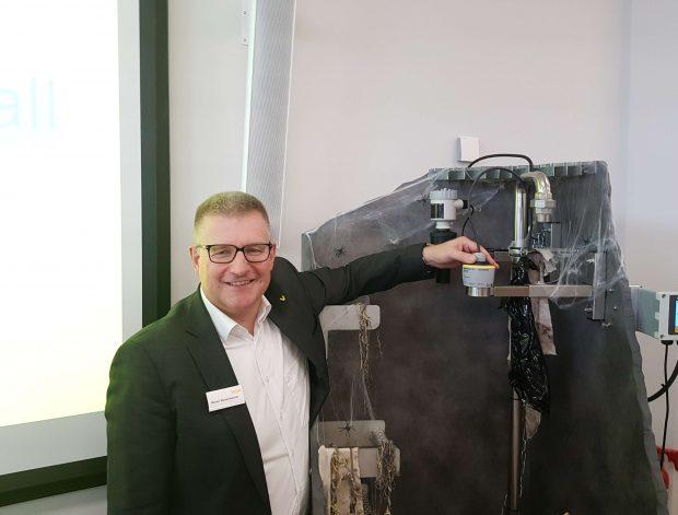 Rainer Waltersbacher, Geschäftsführer von Vega - Es ist uns gelungen, den entscheidenden Nachteil von Radargeräten gegenüber der Ultraschallmessung zu beseitigen den hohen Preis
