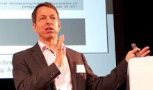 Namur Vorstandschef Dr. Felix Hanisch, Bayer, erläuterte mögliche Formen der Arbeitsteilung zwischen IT und OT