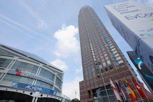 Die Achema öffnet 2021 in Frankfurt wieder ihre Pforten. Die neuen Fokusthemen stehen schon fest, und Austeller können sich bereits anmelden. (Bild: Dechema e.V / Jean-Luc Valentin)