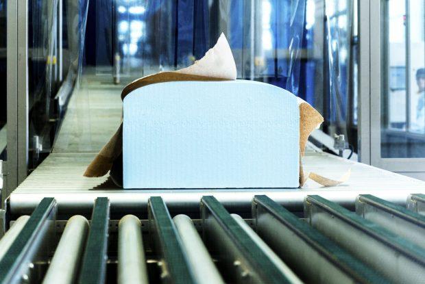 Ein Block weicher Polyurethan-Schaumblock - eine Komponente ist mit CO2 hergestellt.