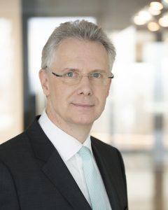 Rainier van Roessel (62), scheidet zum Jahresende aus dem Lanxess-Vorstand aus. Bild: Lanxess