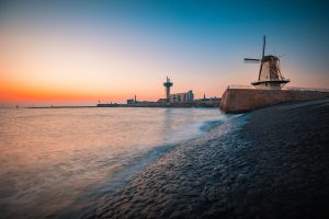 Im niederländischen Vlissingen (Südholland) soll bis 2030 eine der größten Wasserstoffanlagen der Welt entstehen. Bild: Adobe Stock