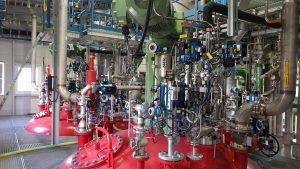 Reaktoren in der neuen Anlage von Vinnolit am Standort Burghausen. (Bild: Vinnolit)
